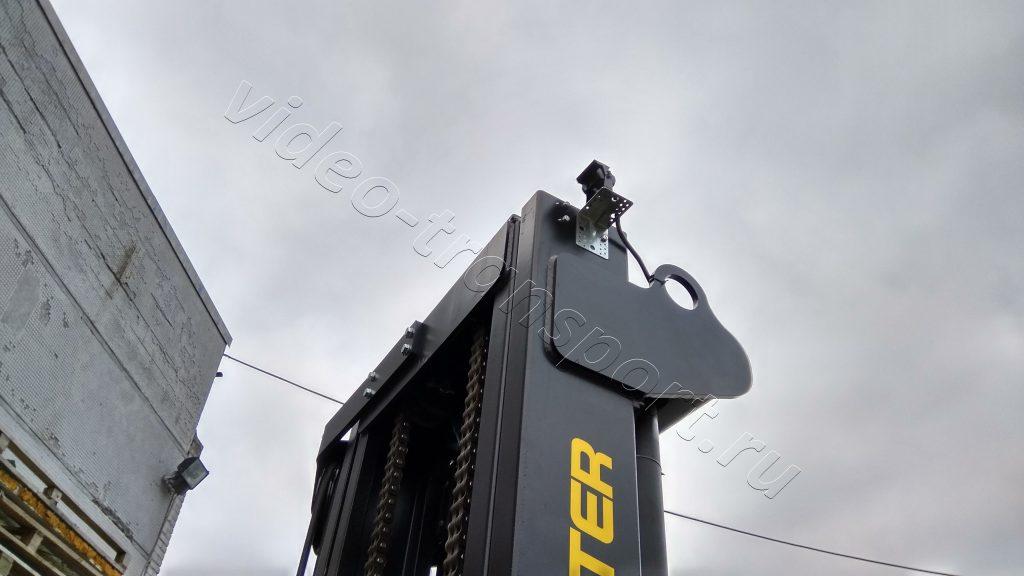 Камера переднего вида на погрузчике